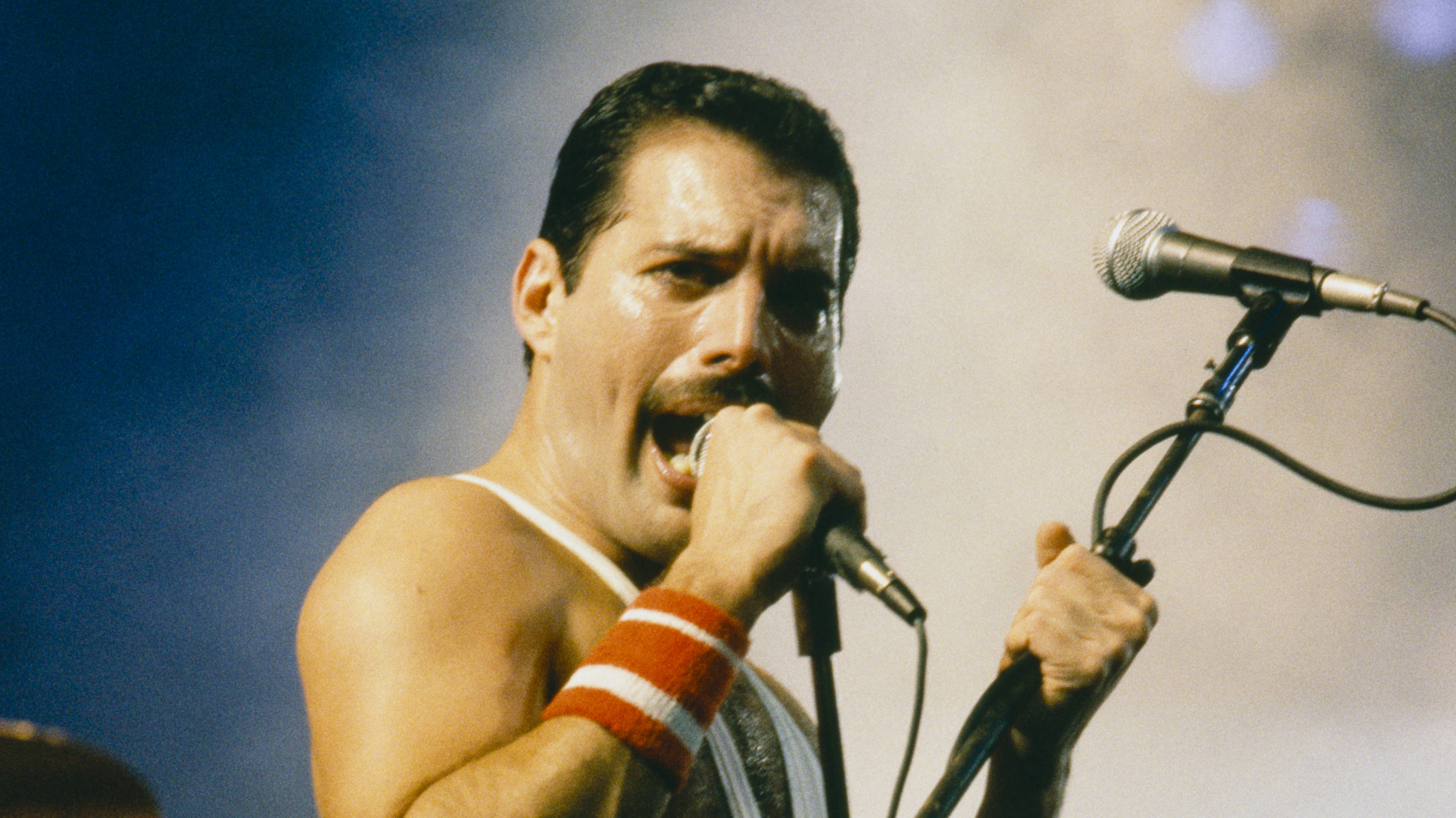 10 fascinating facts about Queen legend Freddie Mercury - Smooth