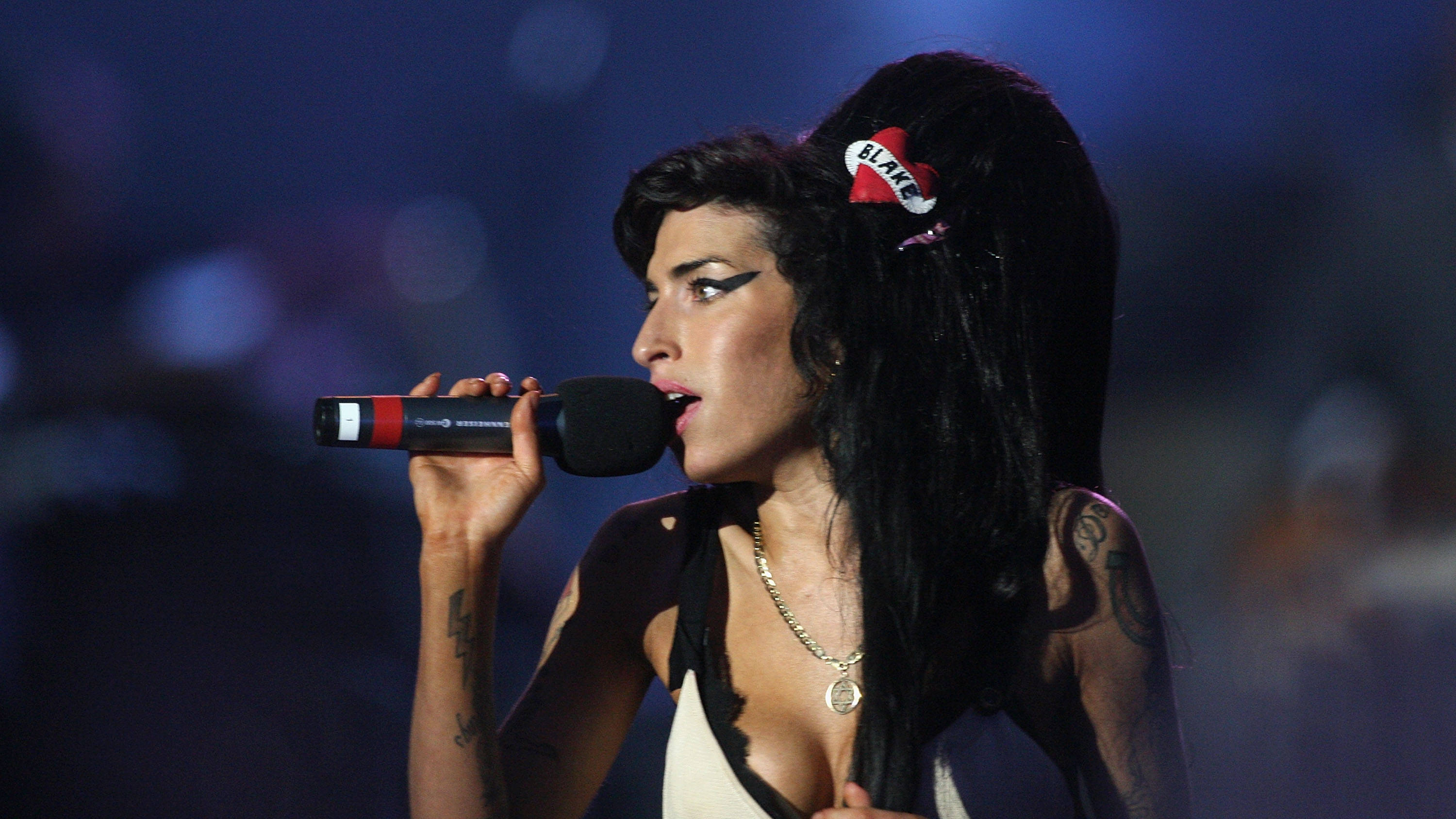 Amy Winehouse: 11 of her very best songs - Smooth
