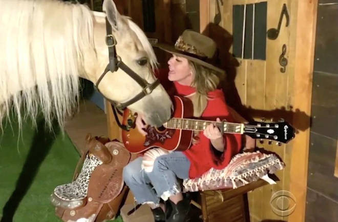 Shania Twain sings with her horse for ACM Presents: Our Country TV Special
