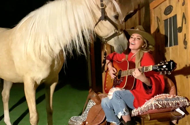 Shania Twain performing for her horse