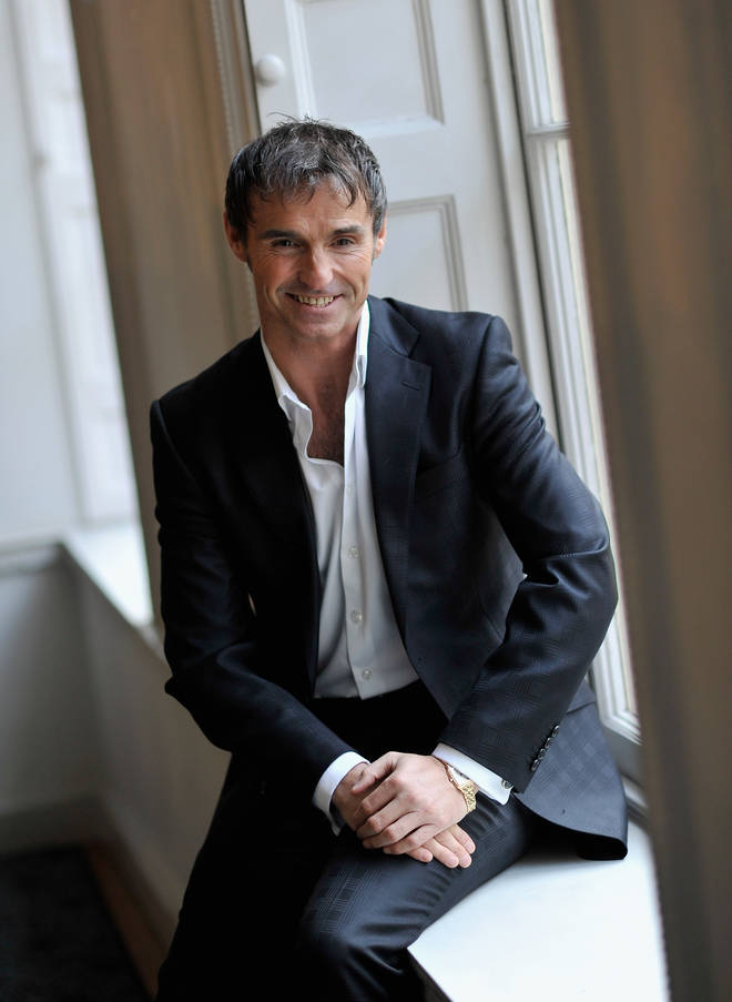 Marti Pellow previously left We Wet Wet in May 1999, and the group then disbanded.However, they reformed in March 2004.