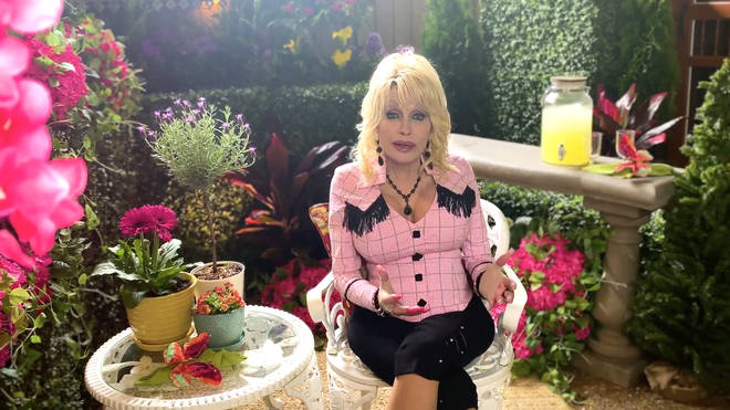 Dolly Parton welcomes visitors back to Dollywood