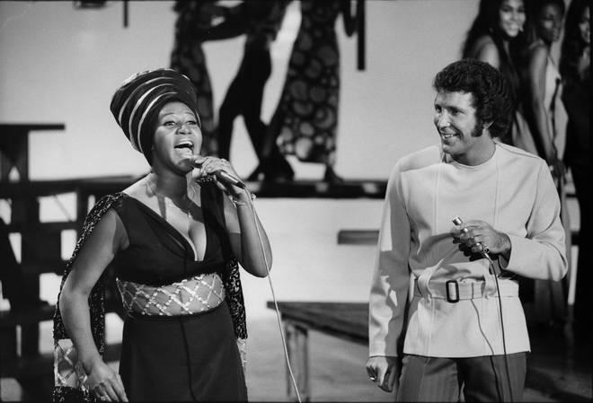 """Aretha Franklin with Tom Jones on TV show """"This is Tom Jones,"""" October 9, 1970"""