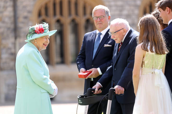 The Queen meets Sir Tom's family at the event