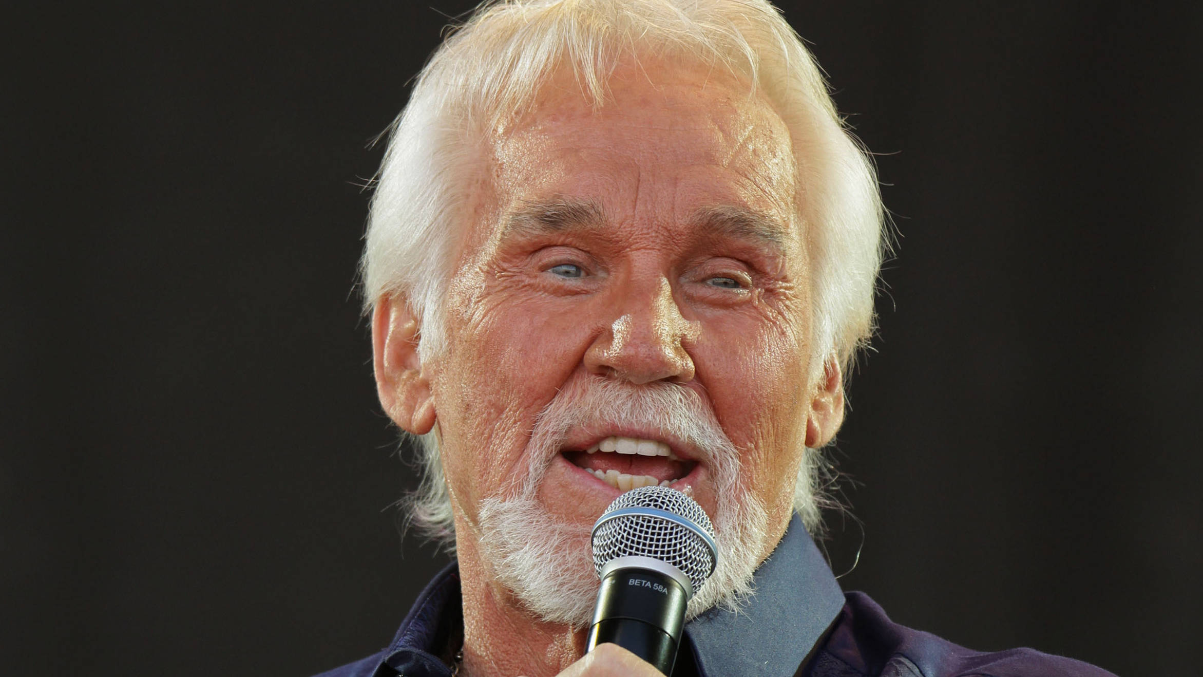 9 fascinating facts about Kenny Rogers - Smooth