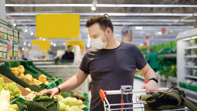 Uk supermarkets won't challenge customers for not wearing face masks under the new rules