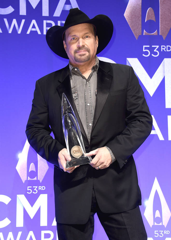 Garth Brooks removes himself permanently from CMA Entertainer of the Year contention