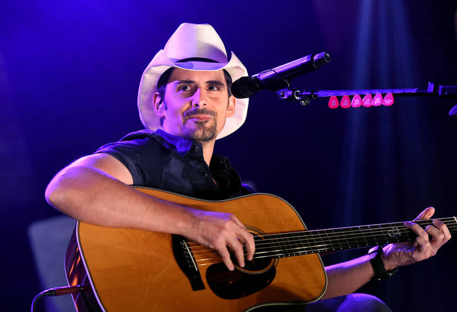 Brad Paisley's speaks to Smooth Country as he releases 'No I in Beer'