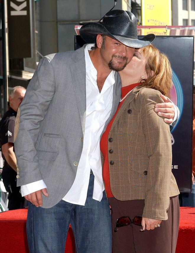 Tim McGraw with his mum Betty Trimble