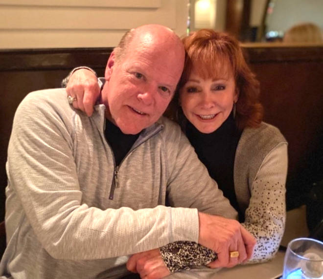 Reba McEntire reveals she is dating actor Rex Linn: 'We're having a blast'