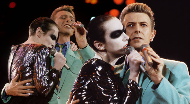 Queen, David Bowie and Annie Lennox's powerful 'Under Pressure' performance in tribute to Freddie Mercury