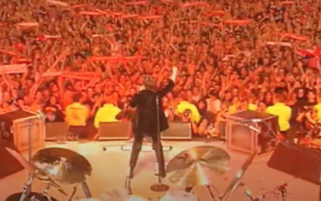 In the video Liza can be seen leading the whole stadium in a rousing chorus of 'We Are The Champions'
