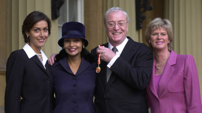Michael Caine with daughter Natasha (L), wife Shakira and daughter Dominique (R) in 2000