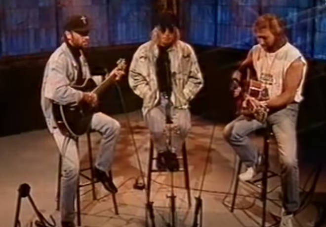 Bee Gees Barry, Robin and Maurice Gibb appeared on MTV's Most Wanted in 1993 and performed a stripped back version of their 1968 hit 'I Gotta Get A Message To You'.