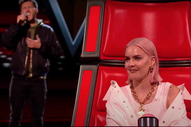 The songwriter from Hertfordshire gave a soulful rendition of the Sting song which saw coach Anne-Marie be the first to turn around and watch him sing,