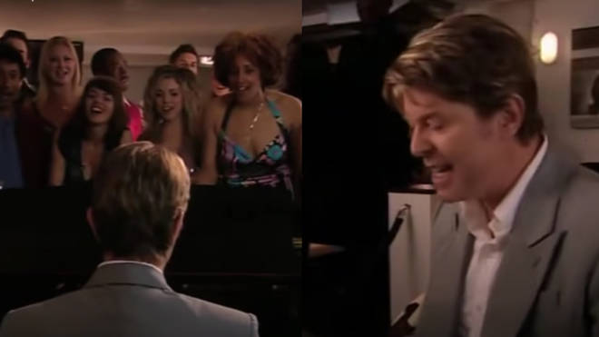 The interview is interspersed with clips of David Bowie playing the piano and singing 'Chubby Little Loser' on the 2006 set of  Ricky Gervais' TV show 'Extras'