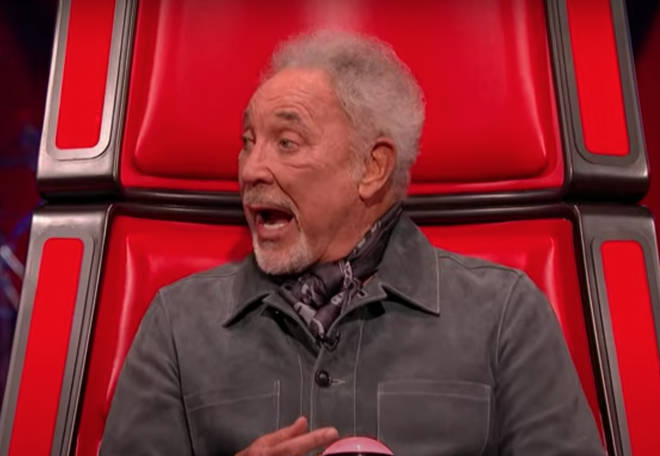 Tom Jones one again showcased his show-stopping singing voice, all without leaving the comfort of his red chair!