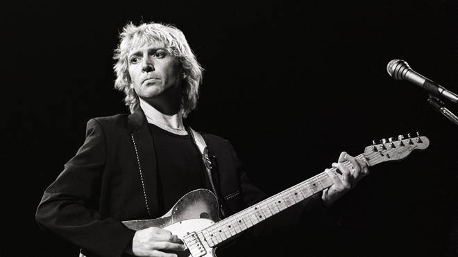Andy Summers performed the song's famous riff
