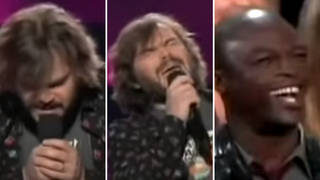Jack Black sings 'Kiss from a Rose' in front of Seal