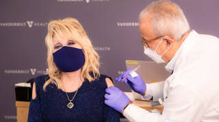Dolly Parton gets her Covid vaccine