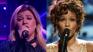 Kelly Clarkson sang a stunning version of Whitney Houston's 'Run To You'