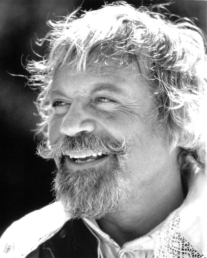 Oliver Reed in 1989