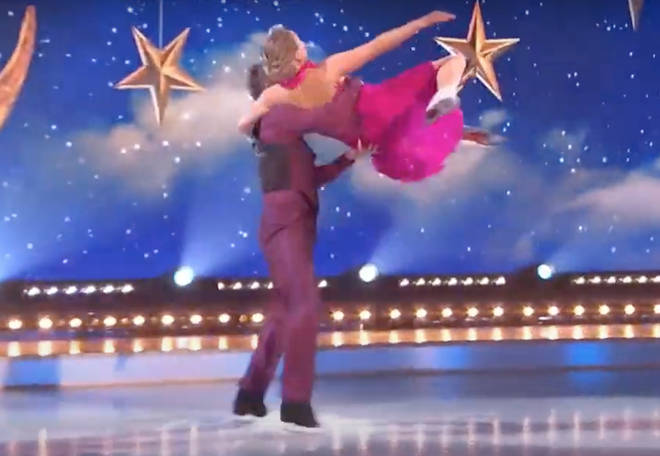 Jane Torvill, 63, and Christopher Dean, 62, showed the 2021 show's young finalists how it was done by giving an effortless-looking performance to Sinatra's 1954 hit.