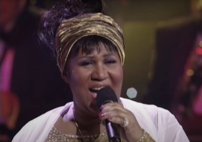 Aretha Franklin started singing 'Chain of Fools' as Mariah Carey walked out to join her in a stunning duet.