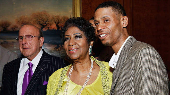 Aretha with son Kecalf and Clive Davis in 2014