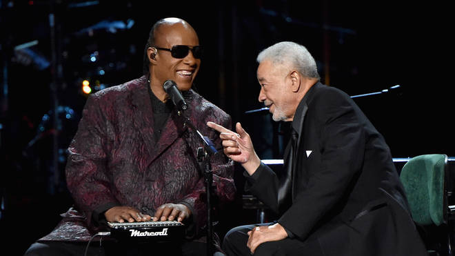 Stevie Wonder and Bill Withers perform onstage during the 30th Annual Rock And Roll Hall Of Fame Induction Ceremony on April 18, 2015. (Photo by Mike Coppola/Getty Images)