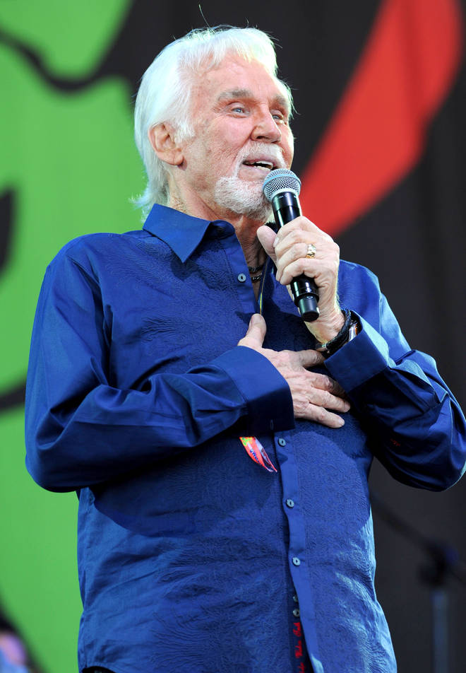 Kenny Rogers playing the legends slot at Glastonbury Festival, 2013. (Photo by Brian Rasic/Getty Images)