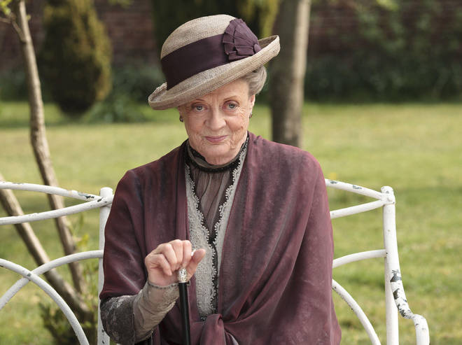 Maggie Smith will be returning to Downton Abbey 2
