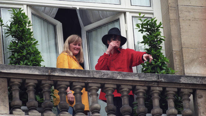 Michael Jackson and Debbie Rowe in 1997