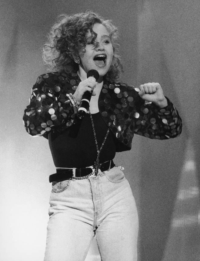 Sonia performing in 1989