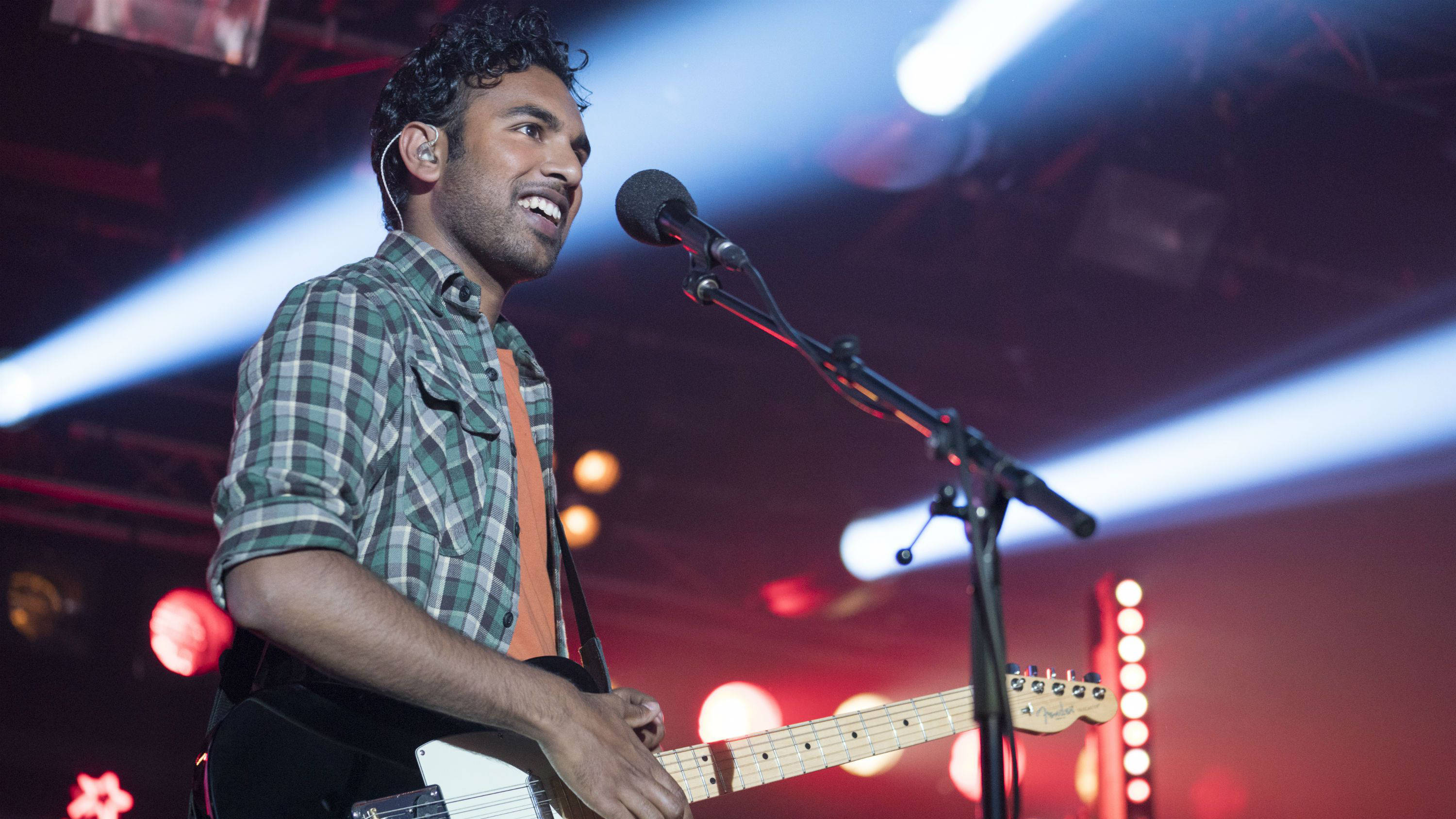 Yesterday Movie Can Himesh Patel Really Sing And Play The Guitar Smooth