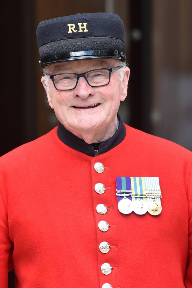 Britain's Got Talent winner Colin Thackery signs to Dame Vera Lynn's label