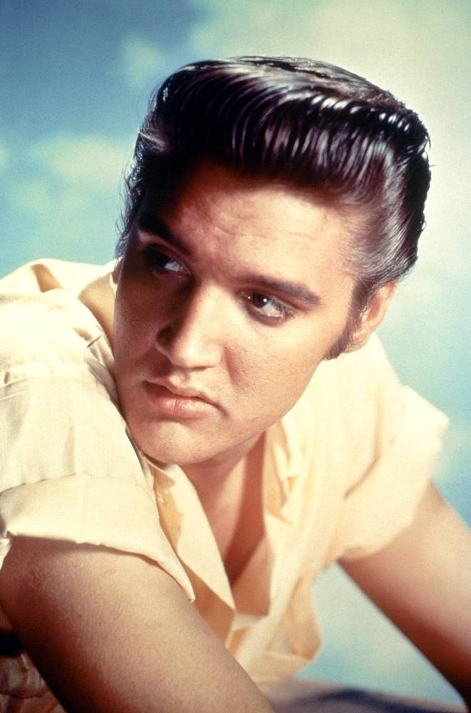 More than 400 Elvis Presley items will go under the hammer at the Graceland auction