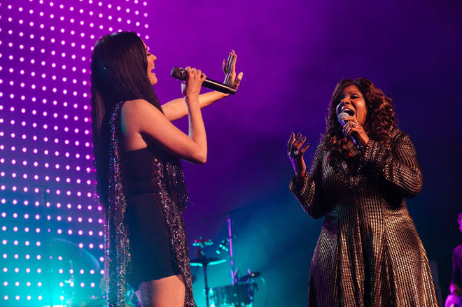 Gloria Gaynor joins Kacey Musgraves on stage for surprise performance of 'I Will Survive'